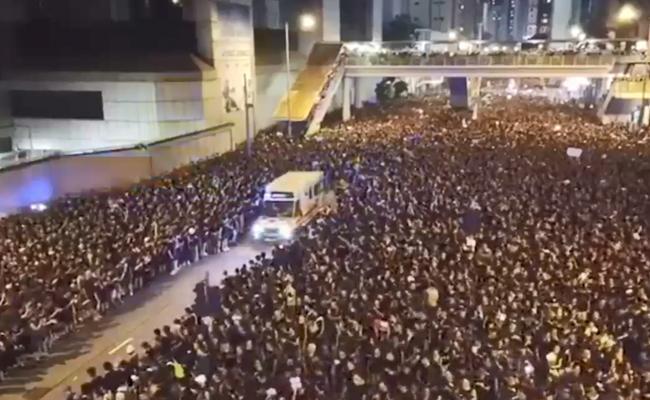 Hong Kong Protesters won hearts - Sakshi