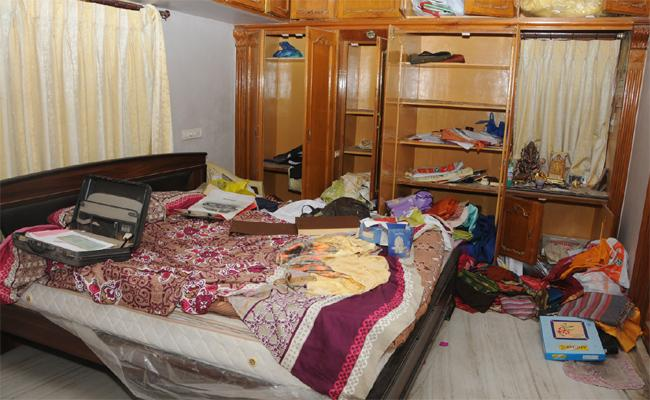 A Huge Theft In A House Ongole - Sakshi