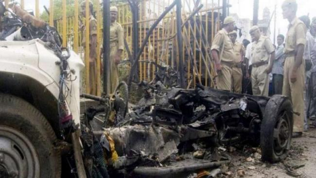 Court Sentences Four To Life Imprisonment In Ayodhya Terror Attack - Sakshi