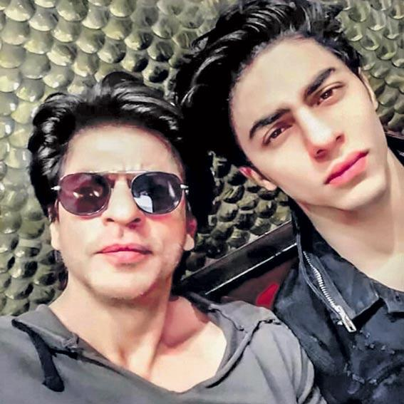 Shah Rukh Khan, son Aryan lend voice to 'The Lion King' in Hindi - Sakshi
