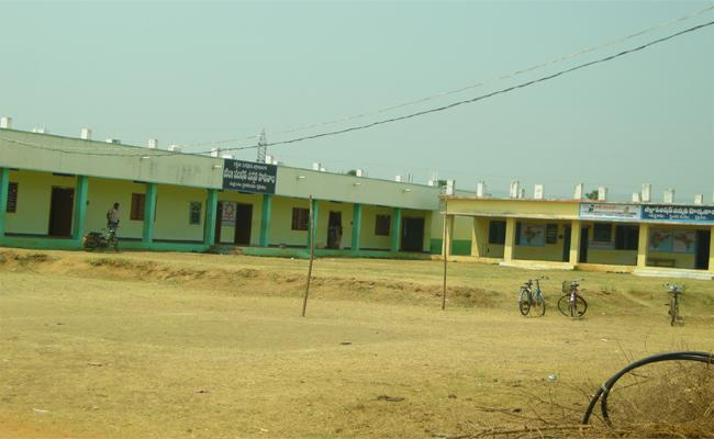 No Salary For Sanitary Workers In Mylavaram  - Sakshi