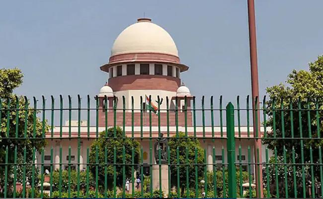 Congress Approaches Supreme Court Over Bypolls RS Seats in Gujarat - Sakshi