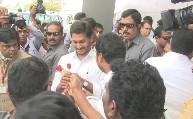 AP CM YS Jagan Go To Delhi For Attend All Party Meeting - Sakshi