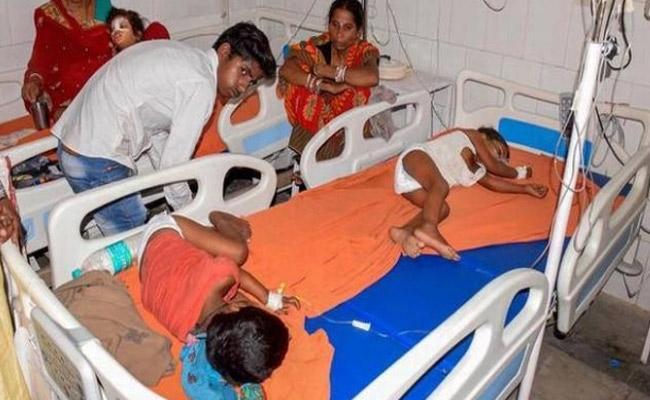 Hundreds Of Children Died With Acute Encephalitis Syndrome In Bihar - Sakshi