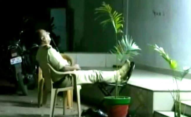 Madhya Pradesh Cops On Night Duty Found Sleeping Suspended - Sakshi