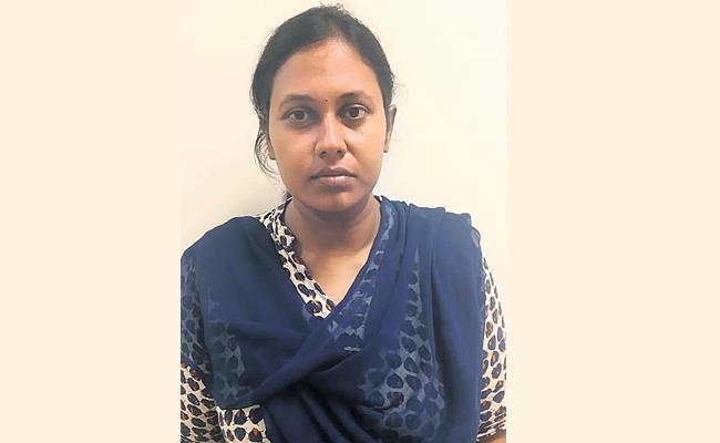 Rachakonda Police Arrest Cheating Women in Hyderabad - Sakshi