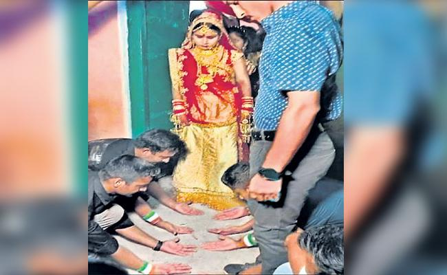 Army Employees Helps College Sister Marriage - Sakshi