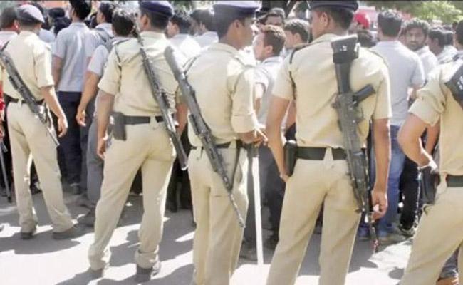 ASI Overaction In Civil Case In Nizamabad - Sakshi