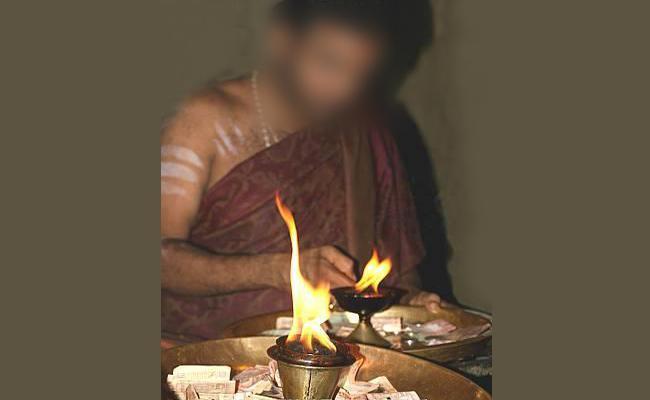 Priest Escaped In Mahabubnagar - Sakshi