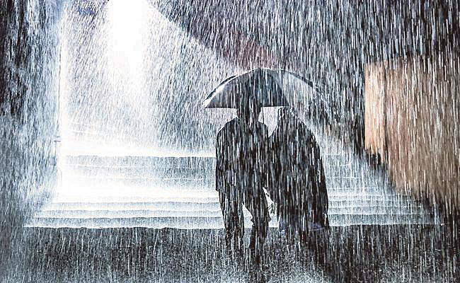 Normal rain Likely To Lash In Telangana For Next Three Days - Sakshi