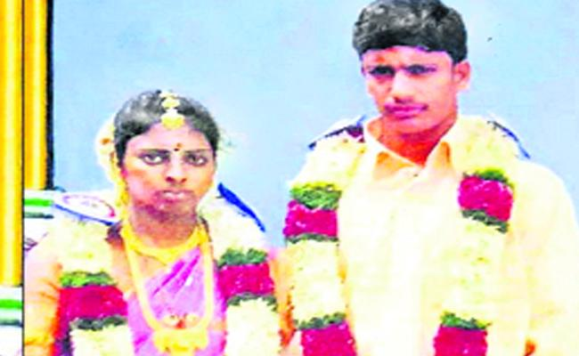 Wife Murdered By Husband For Using Tick Tock - Sakshi