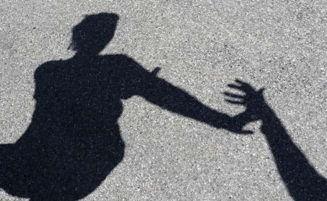 9 Men Rape Three Delhi Prostitutes at Noida Farmhouse - Sakshi