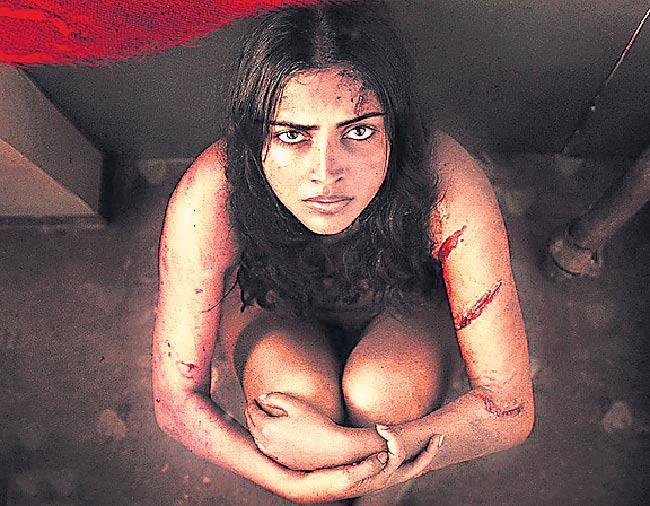 Amala Paul goes nude for Aadai - Sakshi