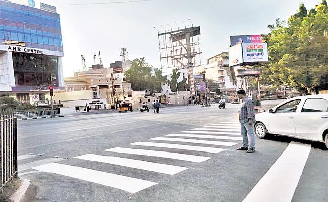 Road Repairs in Hyderabad - Sakshi