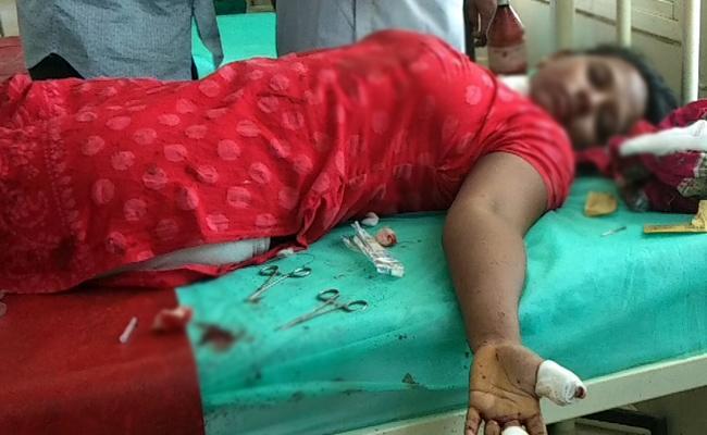Brother Attacks Her Sister Nandyal - Sakshi