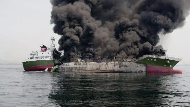 Japanese oil tanker owner disagrees with US military that a iran - Sakshi