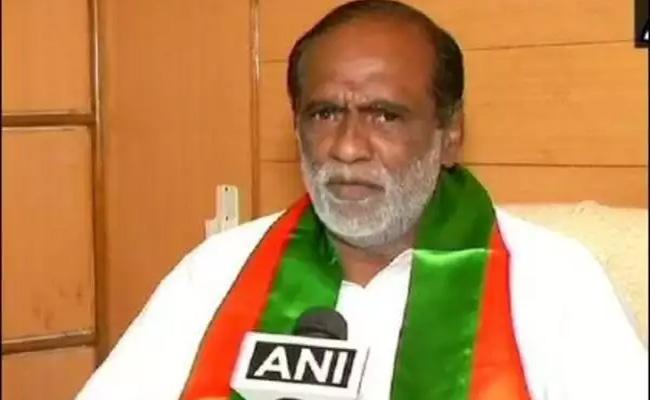 BJP Telangana Chief Laxman Slams TRS Government In Delhi - Sakshi