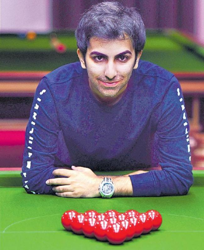 Advani beats compatriot Aditya Mehta at Asian Snooker Championship - Sakshi