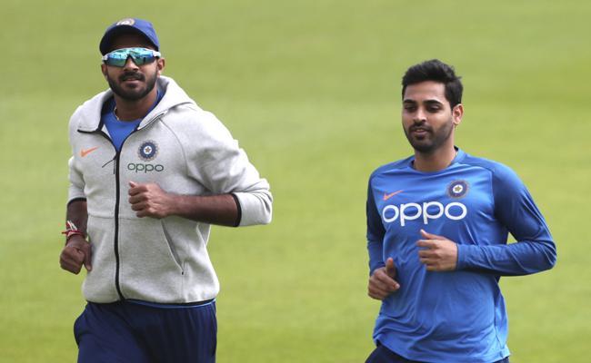 vijay shankar injury on team india practice session - Sakshi