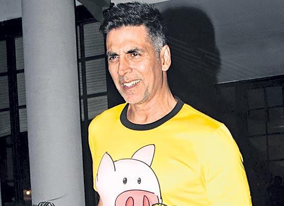 Akshay Kumar confirms Tip Tip Barsa Paani in Sooryavanshi - Sakshi