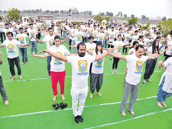 Yoga is the wealth of our country says Srinivasgoud - Sakshi