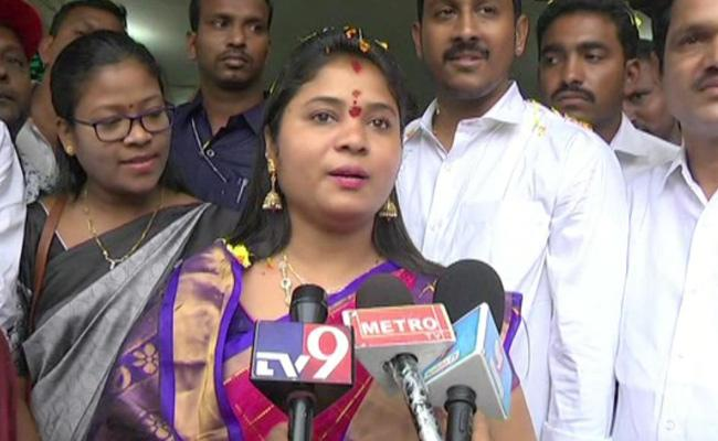 YSR Rythu Bharosa launch on October, says pushpa srivani  - Sakshi