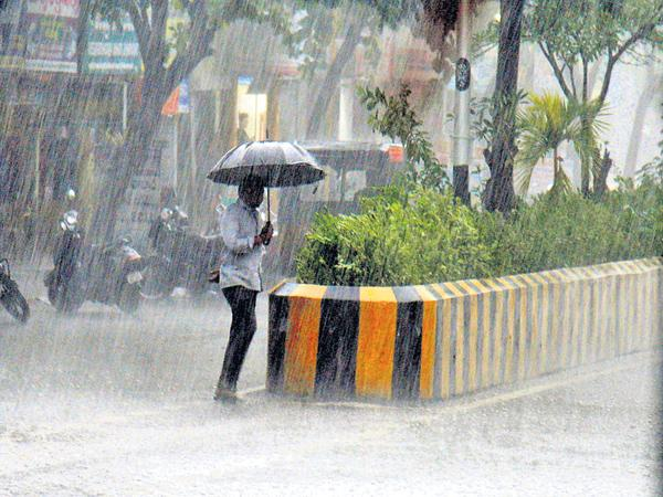 Heavy rains in coastal region today - Sakshi