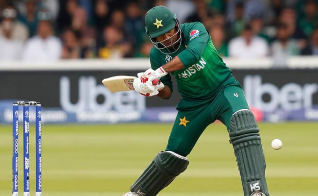 Why Sarfraz Ahmed Batted at Lower Order - Sakshi
