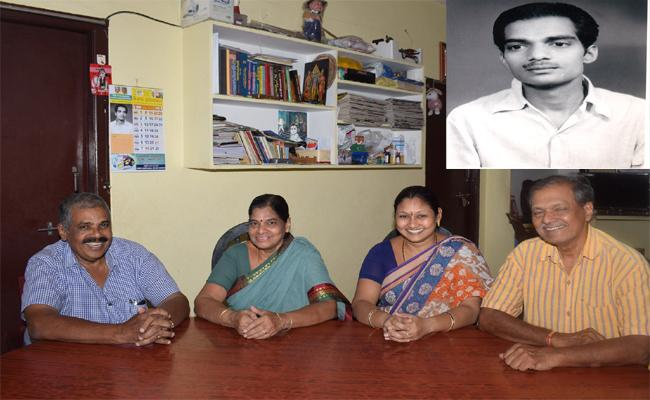 writer Sharada Family Found In Tenali - Sakshi