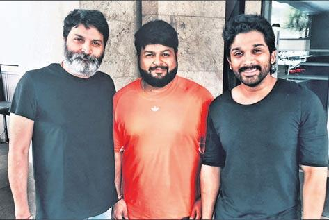 Thaman stars work on Bunny-Trivikram's movie - Sakshi