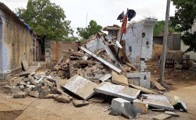 TDP Members Demolished the Rama Temple Somapuram - Sakshi