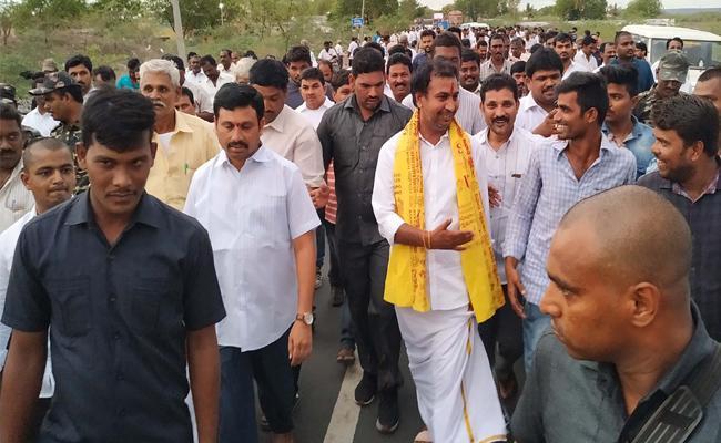 Mla Sudheer Reddy Going  Padayatra To Tirupati  - Sakshi
