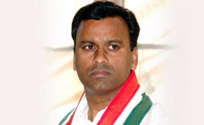 Congress High Command Serious On Komatireddy Rajagopal Reddy - Sakshi