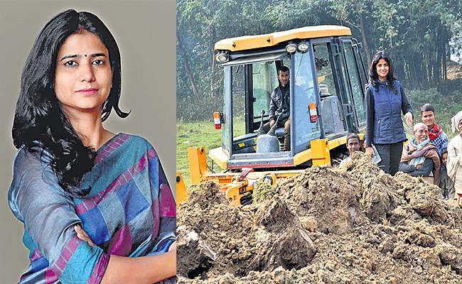 Sarpanch Ritu Jaiswal Special Story - Sakshi