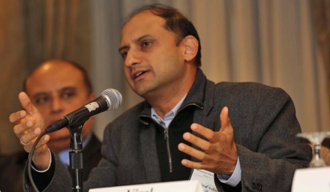 RBI Deputy Governor Viral Acharya Quits - Sakshi