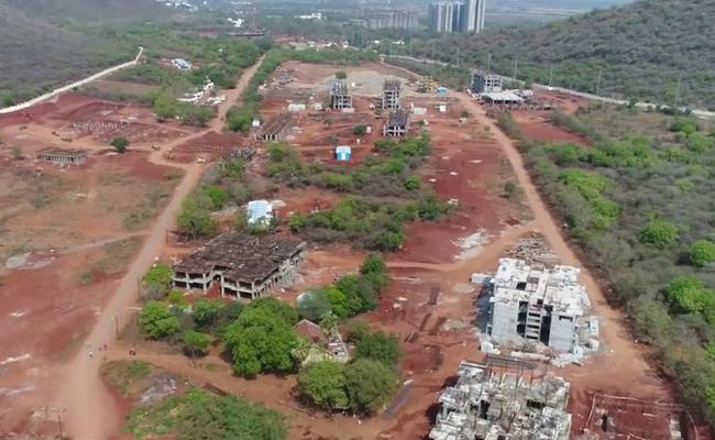 Central Minister Ashwini kumar Choubey Declared AIIMS Mangalagiri Services Start From 2020 - Sakshi