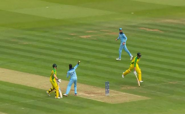 World Cup 2019 Marcus Stoinis Silly Run Out Against England - Sakshi