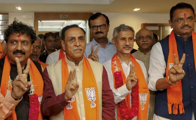 Jaishankar And Jugalji Thakor File Nomination For Rajya Sabha In Gujarat - Sakshi
