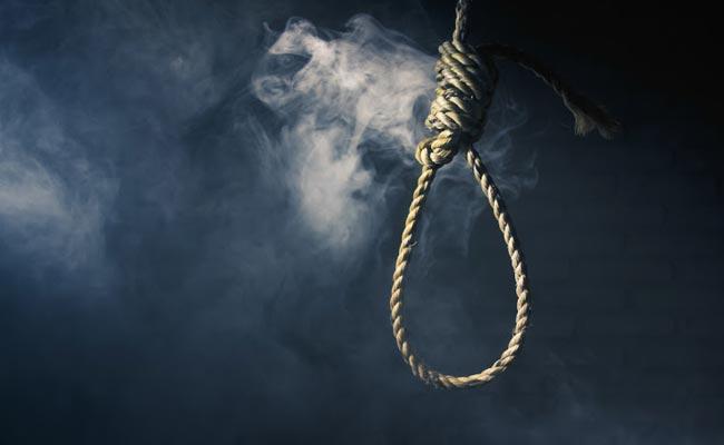 Customer Venkatraman Committed Suicide In Kodambakkam - Sakshi