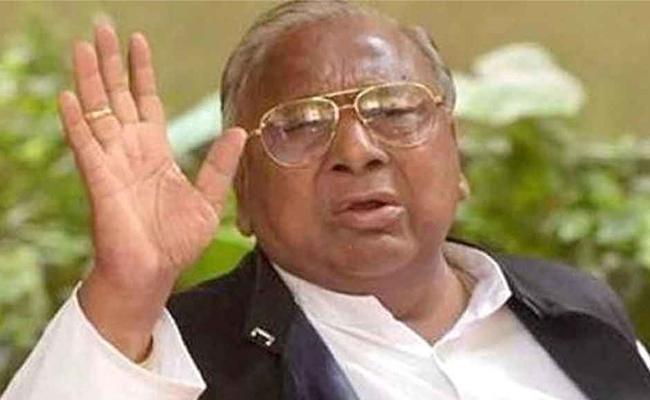 Jagga Reddy Says V Hanumantha Rao Eligible For PCC Post - Sakshi