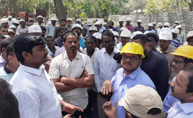 Cement Factory Labour Accidentally Died In Karimnagar - Sakshi