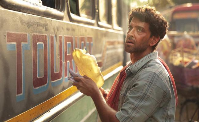 Hrithik Roshan Tweet About Super 30 Movie - Sakshi