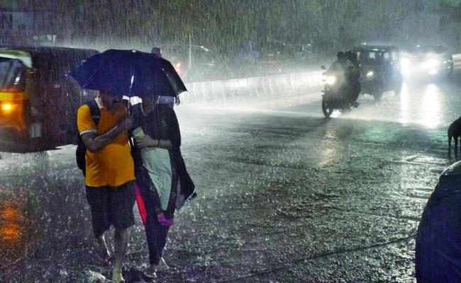Telangana To Receive Heavy Rain In Next 24 Hours - Sakshi