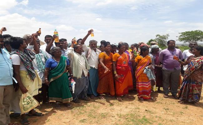 Farmers Protest Giving Lands For Palamuru Rangareddy Project - Sakshi