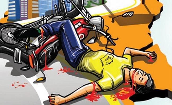 3 People Died In DIfferent Road Accidents in  Visakhapatnam - Sakshi