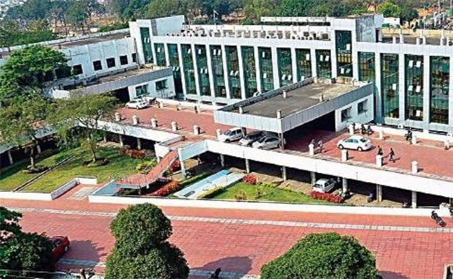 Loosing Grip In Vizag Muncipal Corporation - Sakshi