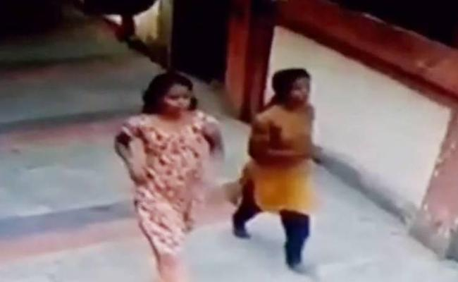 Two Inmates Who Escaped From Kerala Women Prison Arrested - Sakshi