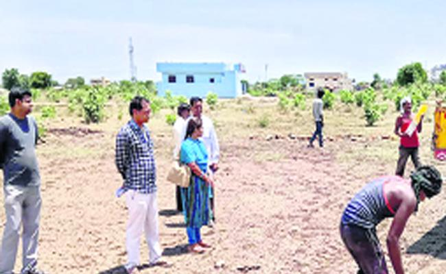 Officers Strict On Illegal Layouts In Adilabad - Sakshi