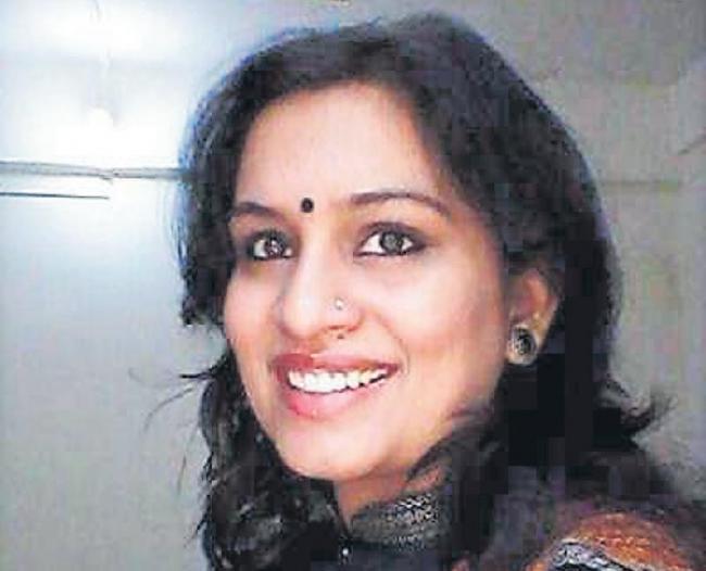IAS Officer Nidhi Choudhari Trolled After Sarcastic Tweet On Mahatma gandhi - Sakshi