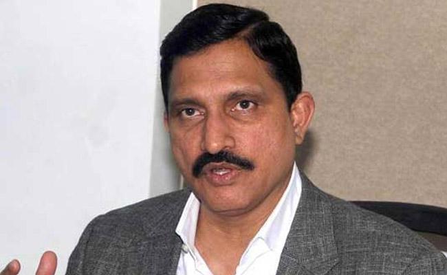 CBI raids Sujana Chowdary office And  house in Hyd AP - Sakshi